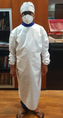 WHITE COTTON GOWN FOR HOSPITAL  STAFF COVID